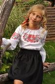 Белая вышиванка-оберег для девочки с растительным узором (Д042/2-212)