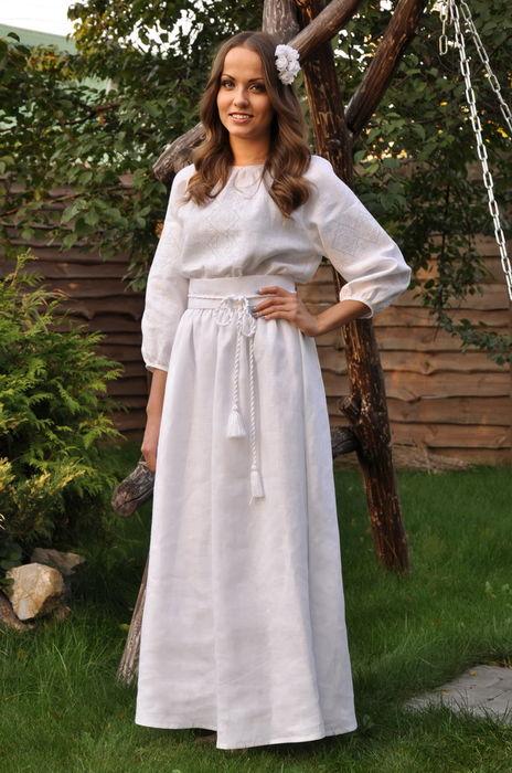 Белоснежное длинное платье с вышивкой «белым по белому» (П16/10-211)