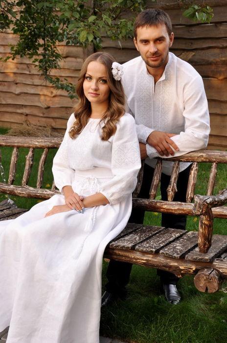 Изящный свадебный комплект с вышивкой в технике «белым по белому» (М01/1-211 и П16/10-211)