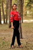 Нарядная женская блуза в красном цвете с черно-белым узором (Ж10/2-261)