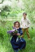 Темно-синее длинное платье с вышивкой для маленькой принцессы (ДП10-293)