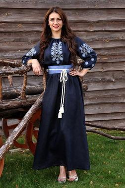 Выразительное вышитое платье с ярким поясом (П16/10-293)