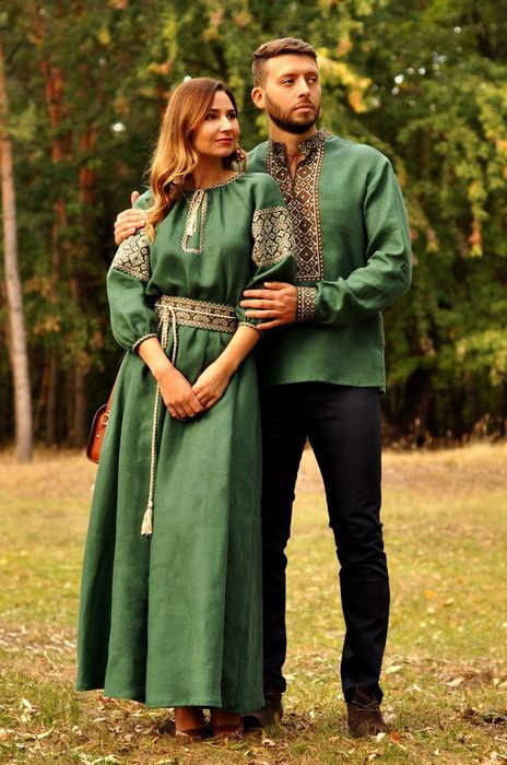 Вышитая мужская рубашка и женское платье из льна в идентичном зеленом цвете (М07/1-236 и П16/7-236)