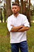 Вышитая мужская рубашка в технике «белым по белому» (М01/1-211)