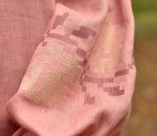 Вышиванка нежного розового оттенка, украшенная цветами (Ж24-286)